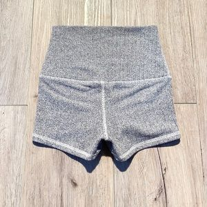 Lululemon size 2 boogie shorts spandex yoga